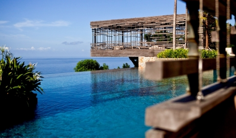 Design Hotels is offering summer incentives at Alila Villas Uluwatu in Bukit Peninsula, Indonesia