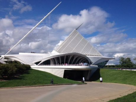 The soaring wings of the Milwaukee Art Museum, designed by Santiago Calatrava, actually can move up and down. photo by Karen Kuzsel
