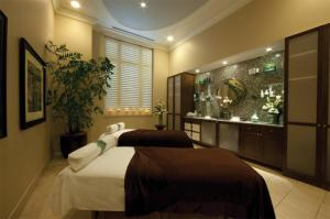 Sandpearl Resort on Clearwater's Gulf Coast Beach has summer spa promotions.