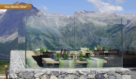 Once a gondola station with attached restaurant, the new Chetzeron (Switzerland) overlooks the Rhone Valley and Alpine peaks.