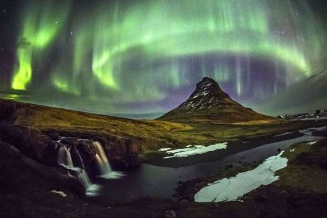 Northern Lights are visible during the Southern Iceland Tour, led by Big Chill Adventures
