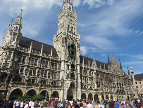 IMG_9552 The Marienplatz, Munich's main square for over 1000 years, draws crowds.